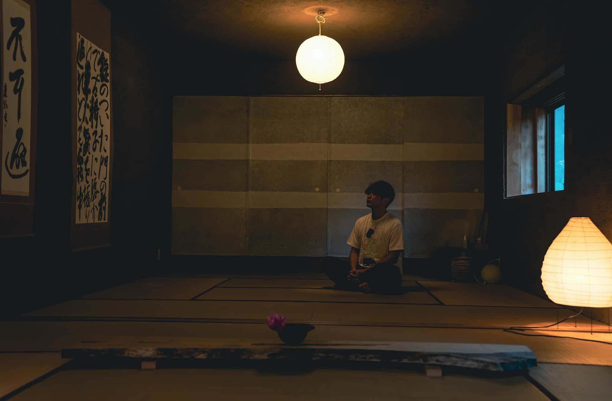 瞑想をしている画像